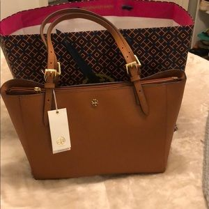 NWT Tory Burch Camel Robinson Double Zip Tote